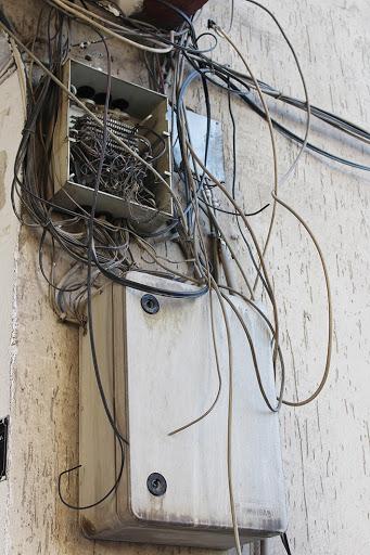 Eski tip analog telefon hatları